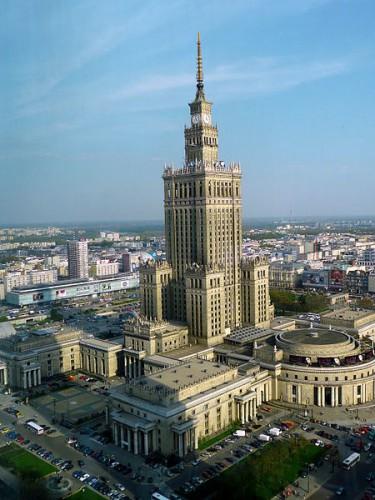 Quelle: Wikimedia/Nnb, CC-BY-SA 3.0, https://commons.wikimedia.org/wiki/File:PKiN_widziany_z_WFC.jpg