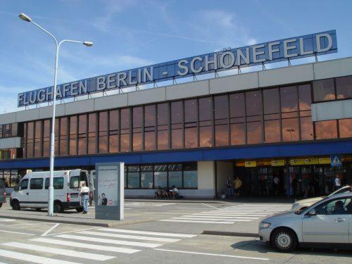 Nicht nur die Tage des alten Terminalgebäudes sind gezählt, auch in der gesamten Stadtregion verschieben sich durch die Eröffnung des neuen Großflughafens BER die Gewichte. Foto: A. Hofmann