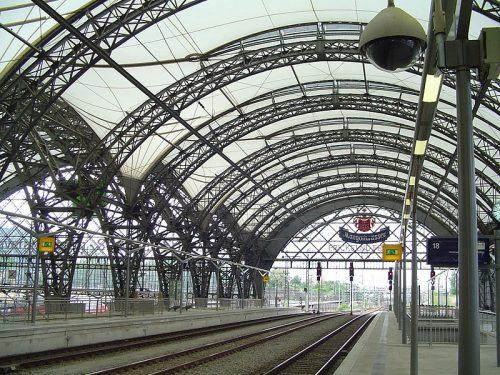 Quelle: Wikimedia/self, CC-BY-SA 3.0, http://commons.wikimedia.org/wiki/File:Dresdner-Hauptbahnhof-neu.jpg