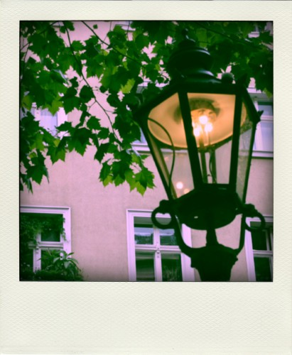 Gaslaterne in Charlottenburg - polaroid