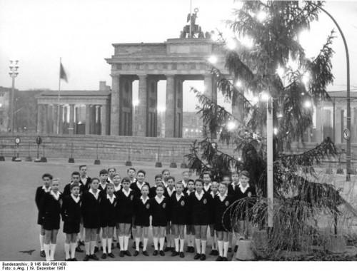 788px-Bundesarchiv_B_145_Bild-P061439,_Berlin,_Schöneberger_Sängerknaben