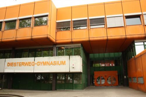 Diesterweg-Gymnasium, Eingang Putbusser Straße