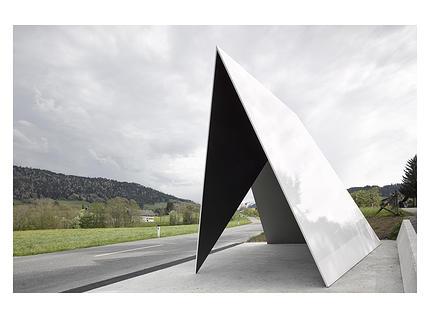 Bushaltestelle von Architecten de Vylder Vinck Tailleu