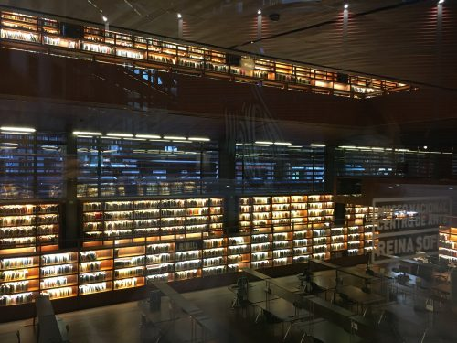 Bibliothek im Erweiterungsbau des Museums Reina Sofia