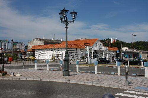 Bahnhof Uno Port, Gestaltung für die Triennale von Esther Stocker, 2016